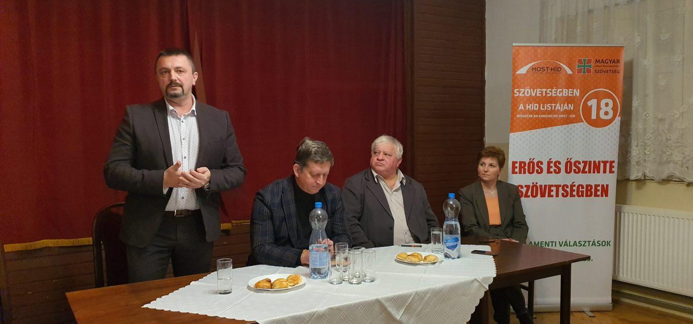 Ma este a pati választópolgárokkal találkoztunk